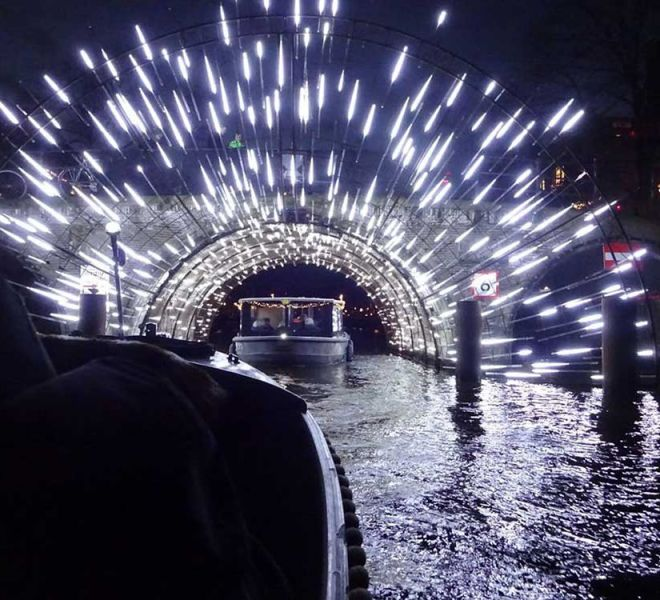 Winterspecial--Special-Light-Art-Canal-Tour